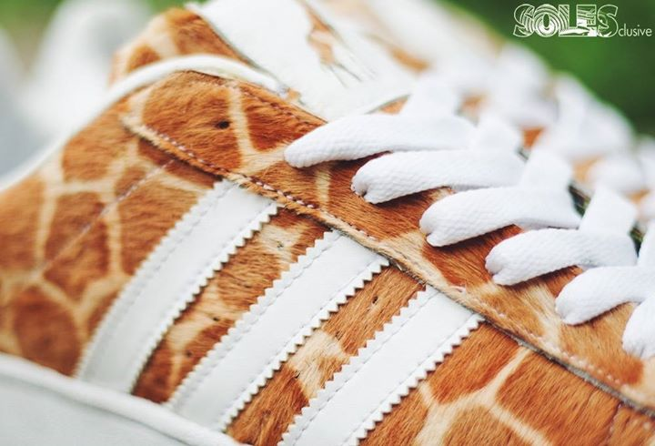 "Superstar 2 x Solesclusive ""Giraffes"""